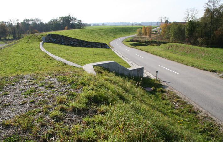 Mattig - Damm mit Überlaufsektion