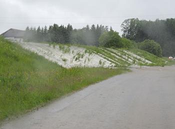 Überlaufen der Hochwasserentlastung Juni 2013